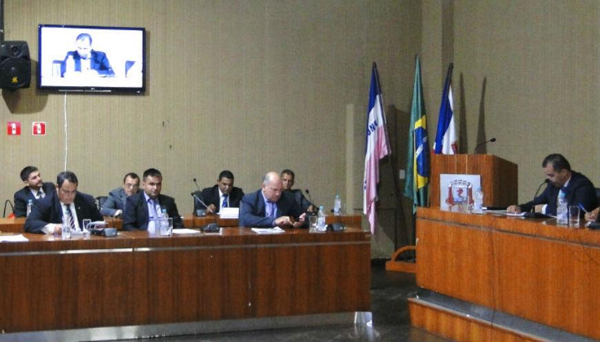 Vereadores cobram reforço do policiamento ao governo do estado durante primeira sessão ordinária do ano